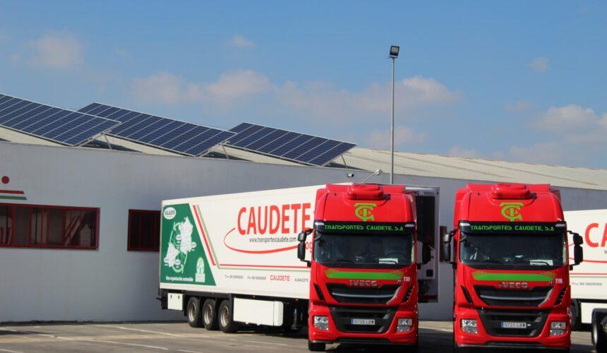 Transportes Caudete quiere agradecer su labor a todos sus empleados en taller, oficinas y empresas, y muy especialmente a sus conductores